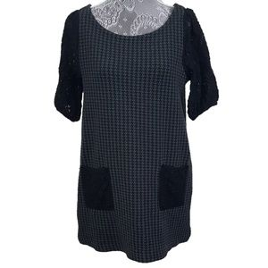 ANTHRO POSTAGE STAMP lace pockets gingham tunic